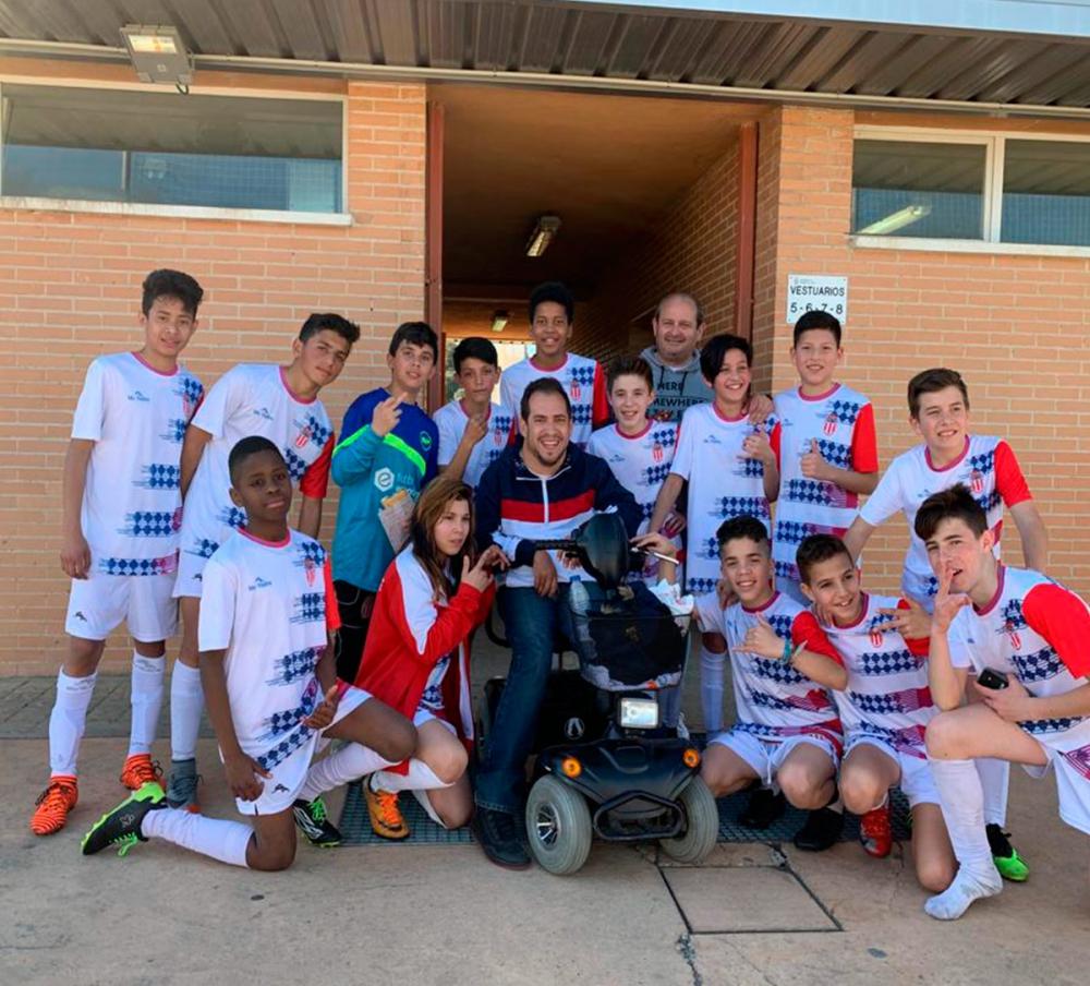 Foto de equipo Pan Bendito con el Langui